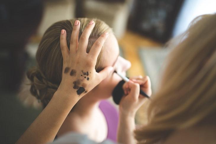 65069_woman-hand-girl-professional.jpg